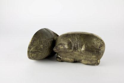 Dose, Asien, 20. Jh., Metall, in Form eines Elefanten, originell und dekorativ, Gebrauchsspuren. H: 17 cm, L: 20 cm, www.beyreuther.de