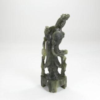 Figur, China, 20. Jh., Jade, Frau, Gebrauchsspuren, unbeschädigt. H: 21 cm, www.beyreuther.de