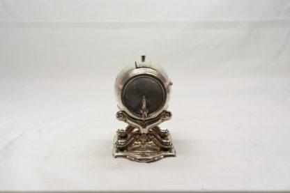 Kleines Fass, Mitte 19. Jh., Silber, undeutliche Silbermarken, Fass auf Ständer mit Deckel zum Öffnen, guter Zustand. H: 8 cm, B: 9 cm, 69 g.