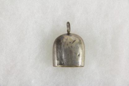 Glocke, Schweden, graviert, Silber 830er gestempelt, 6,7 g, stärkere Gebrauchsspuren. H: 3,5 cm.