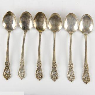 6 Moccalöffel, im Rokokostil, gestempelt Schweden, Silber, 40 g, gebrauchter Zustand. L: 9 cm, www.beyreuther.de