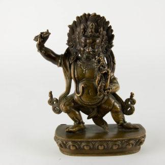 Bronzefigur, Tibet, um 1900 oder älter, Vajrapāṇi, eine der ersten Bodhisattvas im Mahayana Buddhismus. Er ist der Beschützer und Führer des Gautama Buddha und symbolisiert die Kraft Buddhas, sehr feine Ausarbeitung mit minimalen Resten einer Versilberung, Vergoldung und roter Bemalung, Mandorla fehlt, Sockel verschlossen, Gebrauchsspuren. H: 24 cm, Figure, Tibet, bronze, about 1900 or older, Vajrapāṇi is one of the earliest-appearing bodhisattvas in Mahayana Buddhism. He is the protector and guide of Gautama Buddha and rose to symbolize the Buddha's power, very fine worked, used, www.beyreuther.de