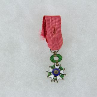 Ordensminiatur, Frankreich, 20. Jh., Miniatur zum Orden der Ehrenlegion, Ritter, Silber, 9. Modell, guter Zustand, www.beyreuther.de