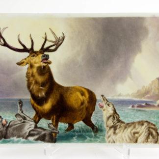 Porzellanplakette, um 1900, nach Sir Edwin Landseer (1803-73), im Wasser stehender Hirsch mit offenem Mund, auf der linken Seite ein im Wasser auf den Rücken liegender Hund, auf der rechten Seite ein bellender Jagdhund, unbeschädigt, feinste Handmalerei, Krakeele in der Glasur. H: 21 cm, B: 32 cm. porcelain plate, about 1900, after Sir Edwin Landseer (1803-73), painted with a stag, standing in water, facing to left, head to right, mouth open. To the left a dog sprawled on its back, paws in the air and to the right a deerhound facing left, barking. Background loch, and a bird in the sky.